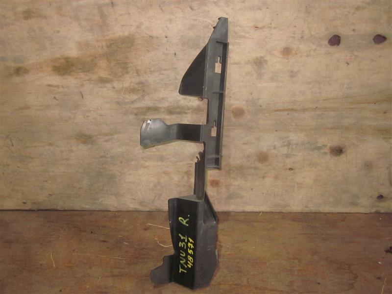 Дефлектор радиатора Nissan Presage TNU31 QR25DE 2004 правый