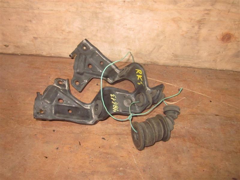 Крепление радиатора Honda Step Wagon RK1 R20A 2010