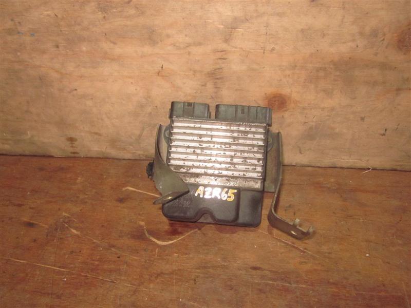 Блок управления форсунками Toyota Voxy AZR65 1AZ-FSE 2002