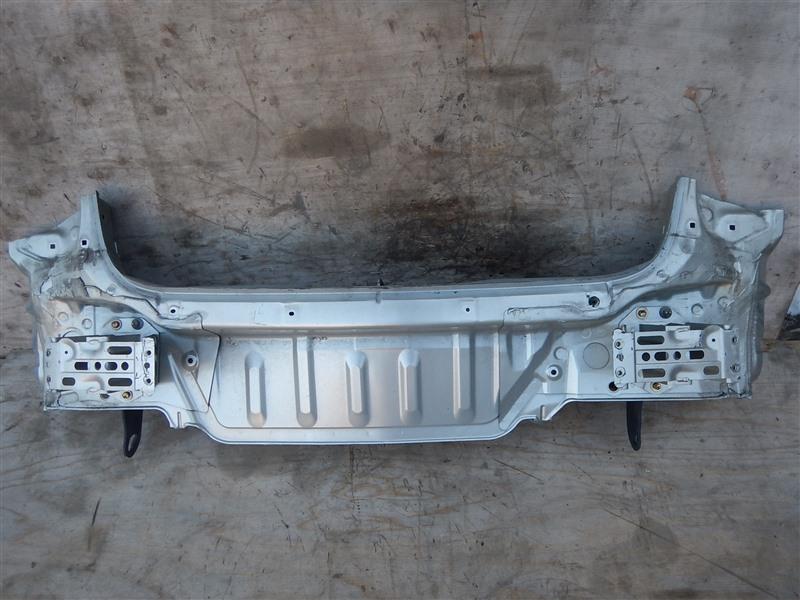 Rear cut Toyota Avensis AZT250 1AZ-FSE 2005