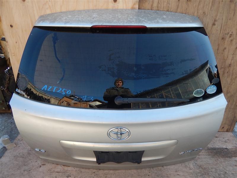 Дверь 5-я Toyota Avensis AZT250 1AZ-FSE 2005 задняя