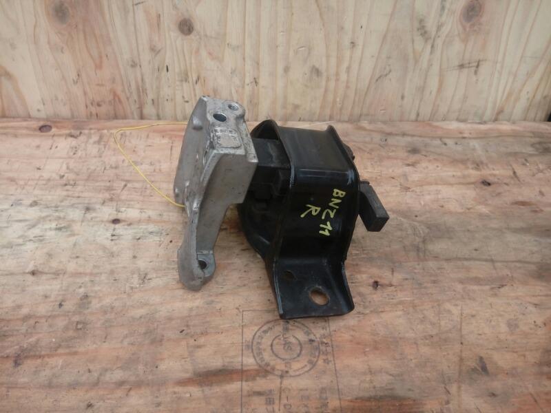 Подушка двигателя Nissan Cube BNZ11 CR14DE 2002 правая