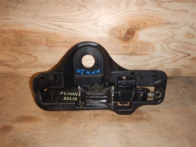 Домкрат Toyota Prius NHW20 1NZ-FXE 2006