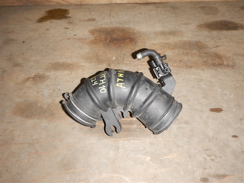 Патрубок воздушн.фильтра Toyota Alphard ATH10 2AZ-FXE 2003
