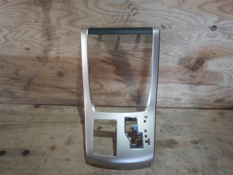 Консоль магнитофона Toyota Vellfire ANH20 2AZ-FE