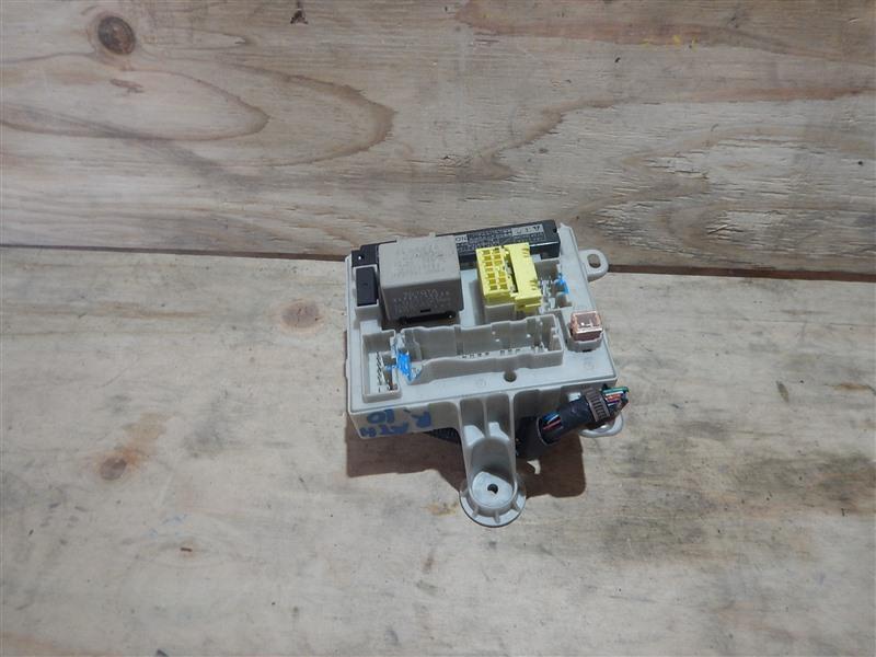 Блок предохранителей Toyota Alphard ATH10 2AZ-FXE 2003 правый