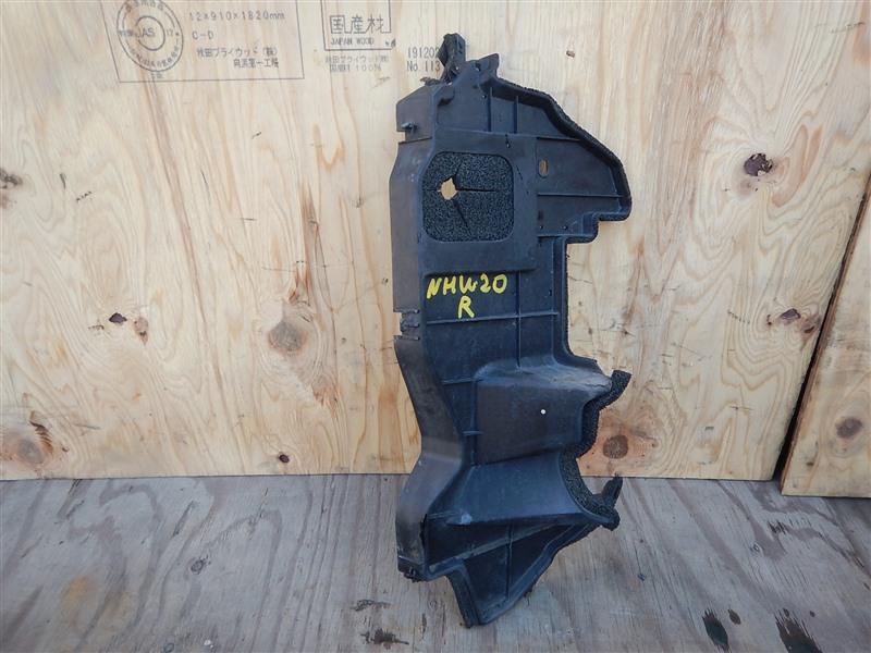 Дефлектор радиатора Toyota Prius NHW20 1NZ-FXE 2006 передний правый
