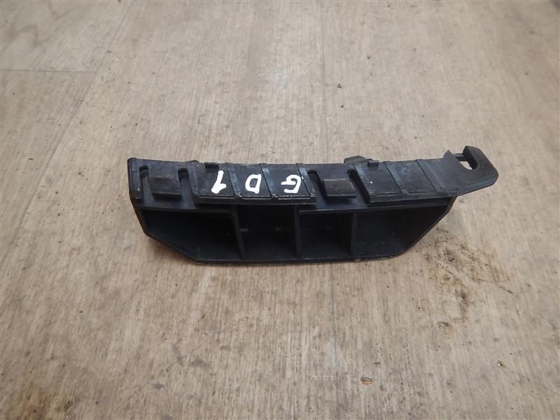 Крепление бампера с крыла Honda Fit GD1 L13A 2002 переднее левое