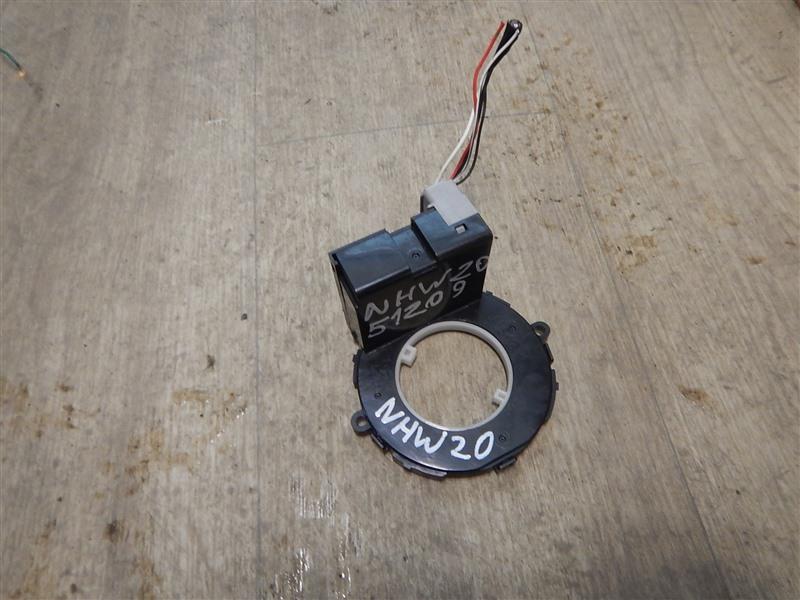 Датчик положения руля Toyota Prius NHW20 1NZ-FXE 2008