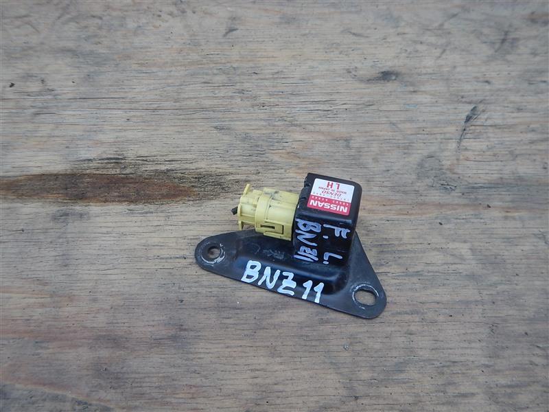 Датчик airbag Nissan Cube BNZ11 CR14DE 2002 передний левый