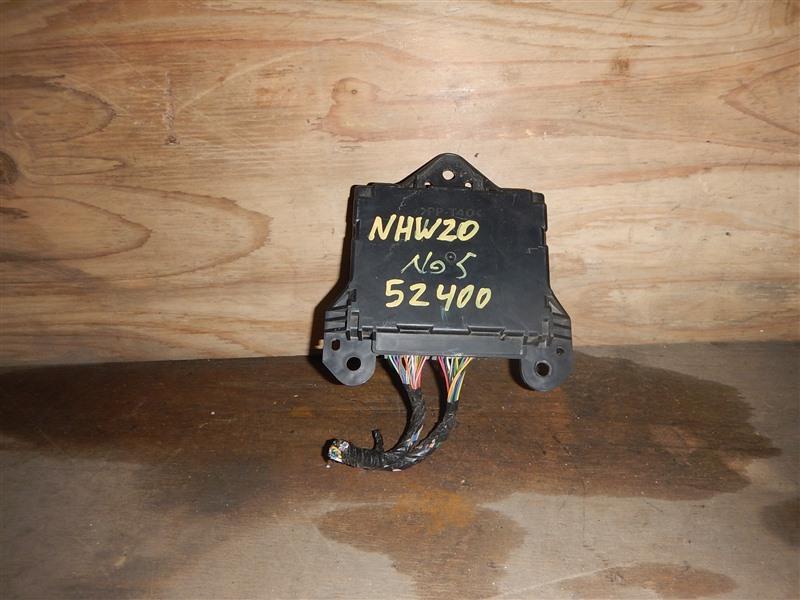 Блок управления кондиционером Toyota Prius NHW20 1NZ-FXE