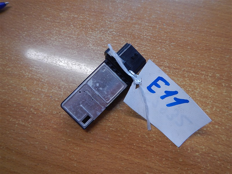 Датчик расхода воздуха Nissan Note E11 HR15DE