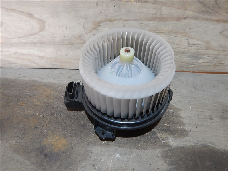 Мотор печки Toyota Vitz KSP90 1KR-FE 2005