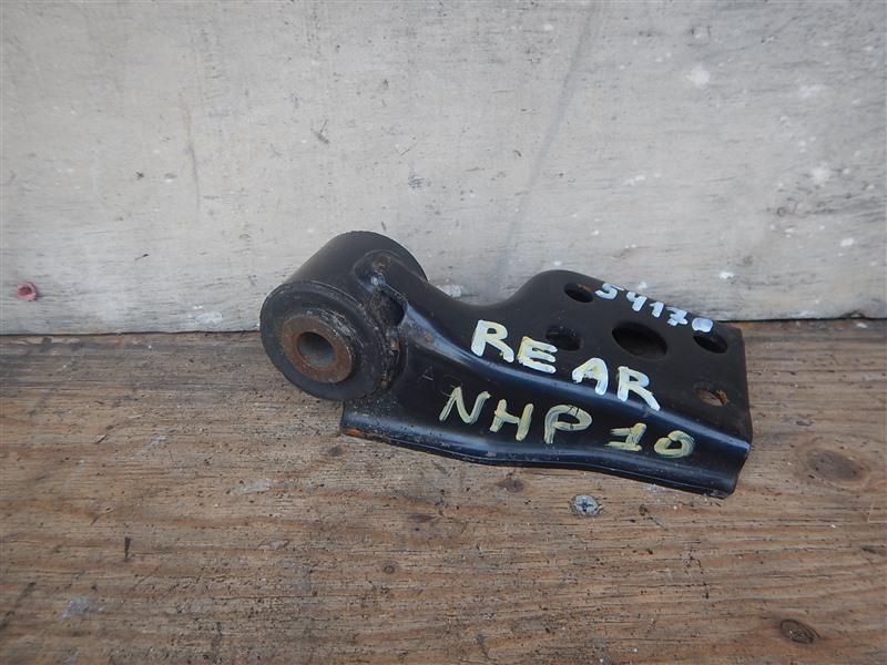 Подушка двигателя Toyota Aqua NHP10 1NZ-FXE 2016 задняя