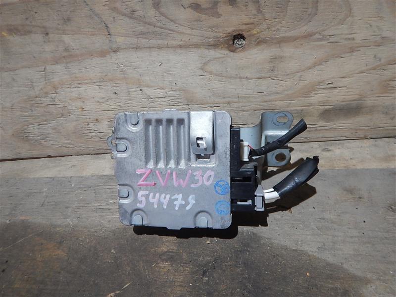 Блок управления рулевой рейкой Toyota Prius ZVW30 2ZR-FXE 2012