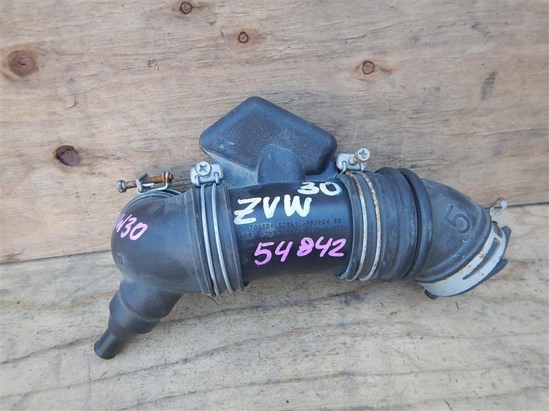 Патрубок воздушн.фильтра Toyota Prius ZVW30 2ZR-FXE 2012