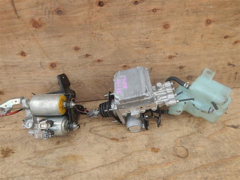 Главный тормозной цилиндр Toyota Aqua NHP10 1NZ-FXE 2016