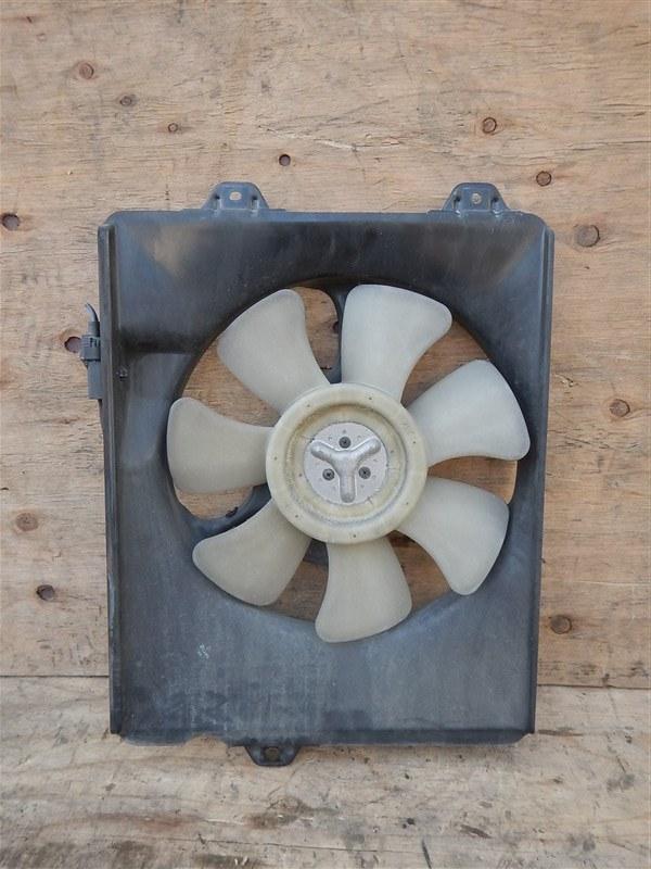 Диффузор радиатора Toyota Gaia ACM10 1AZ-FSE правый