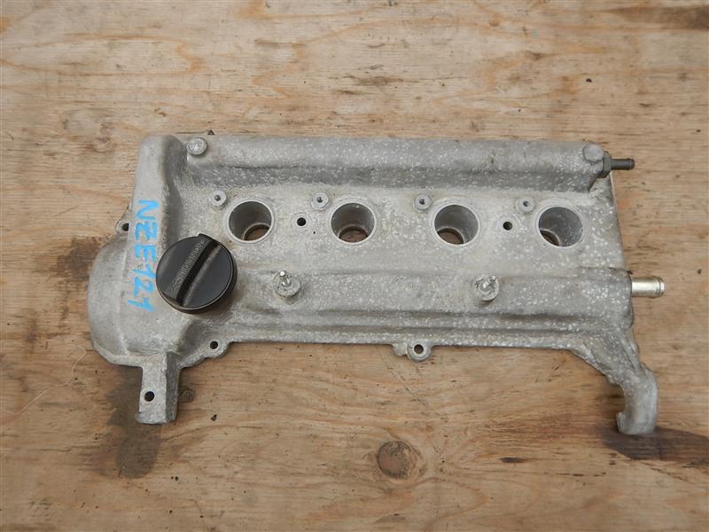 Клапанная крышка Toyota Corolla NZE121 1NZ-FE