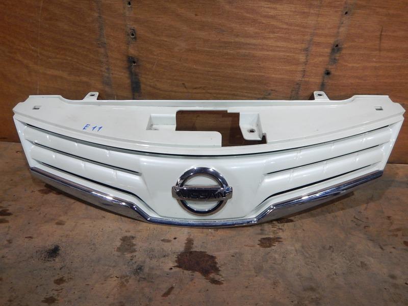 Решетка радиатора Nissan Note E11 HR15DE