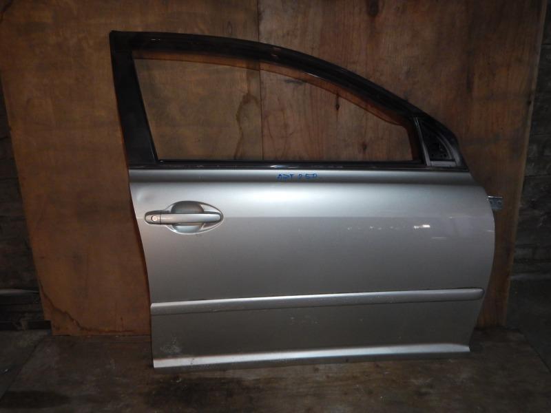 Дверь Toyota Avensis AZT250 1AZ-FSE передняя правая