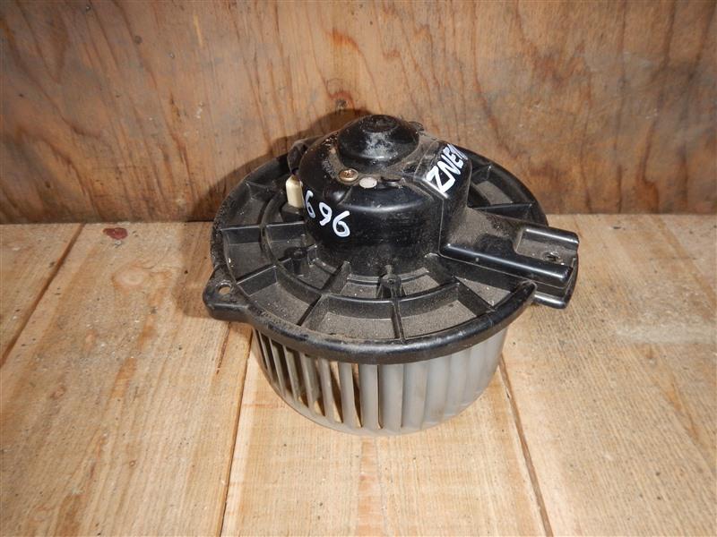 Мотор печки Toyota Wish ZNE10 1ZZ-FE