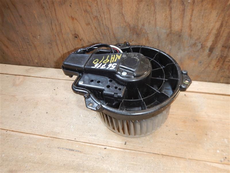 Мотор печки Toyota Aqua NHP10 1NZ-FXE 2015