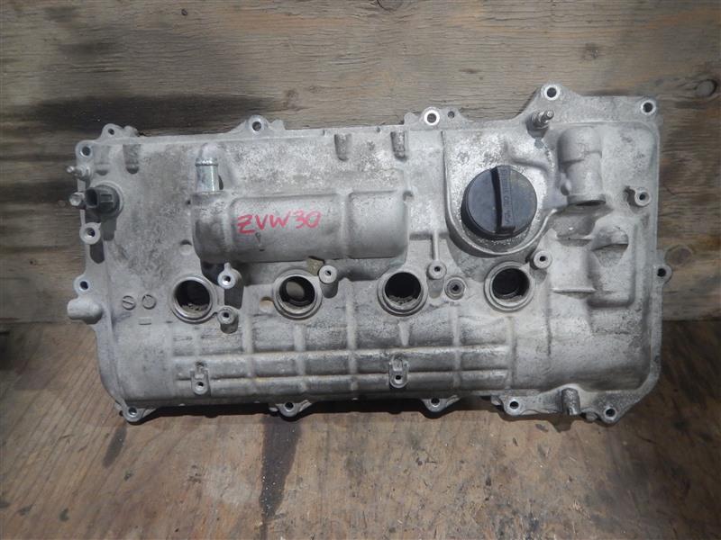 Клапанная крышка Toyota Prius ZVW30 2ZR-FXE