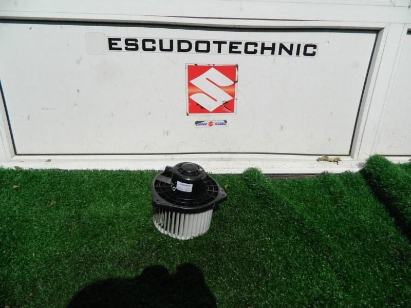 Мотор печки Suzuki Escudo TD54W J20A 2005