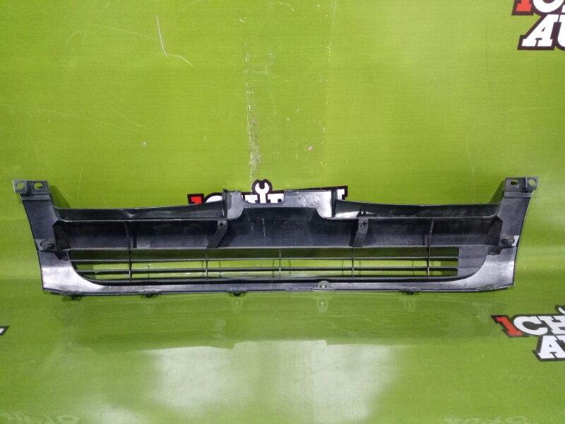Решетка радиатора HIACE KDH205