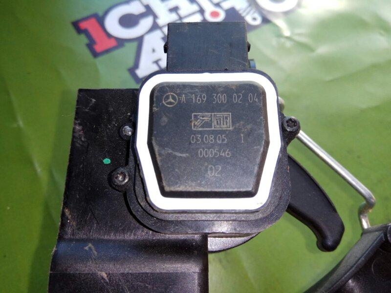 Педаль газа MERCEDES A200
