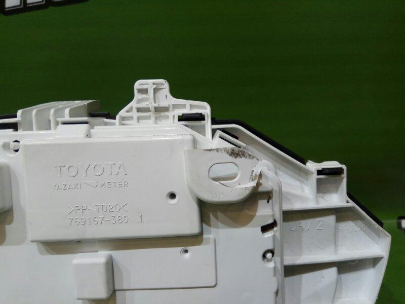 Спидометр TOYOTA NOAH ZWR80 2ZR-FXE
