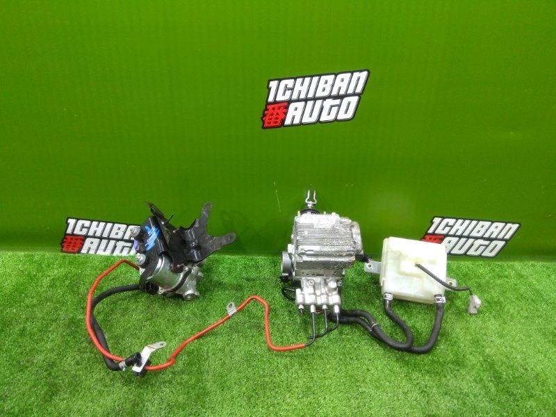 Главный тормозной цилиндр TOYOTA NOAH ZWR80 2ZR-FXE контрактная