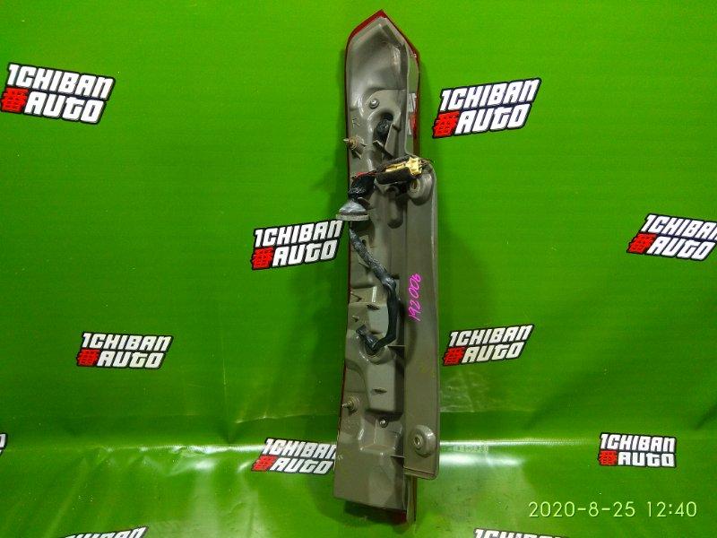 Стоп-сигнал задний правый ISIS 2005 ANM10 1AZ-FE