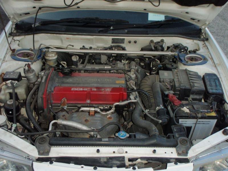 Патрубок воздушн.фильтра Mitsubishi Lancer Evolution CP9A 1999 белый