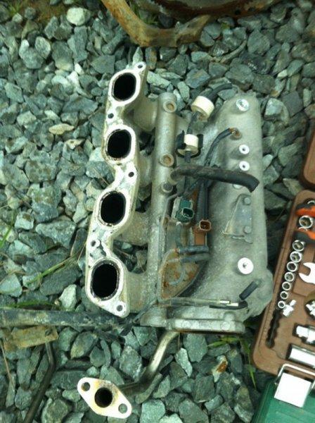 Коллектор впускной Nissan Bluebird U14 SR18DE