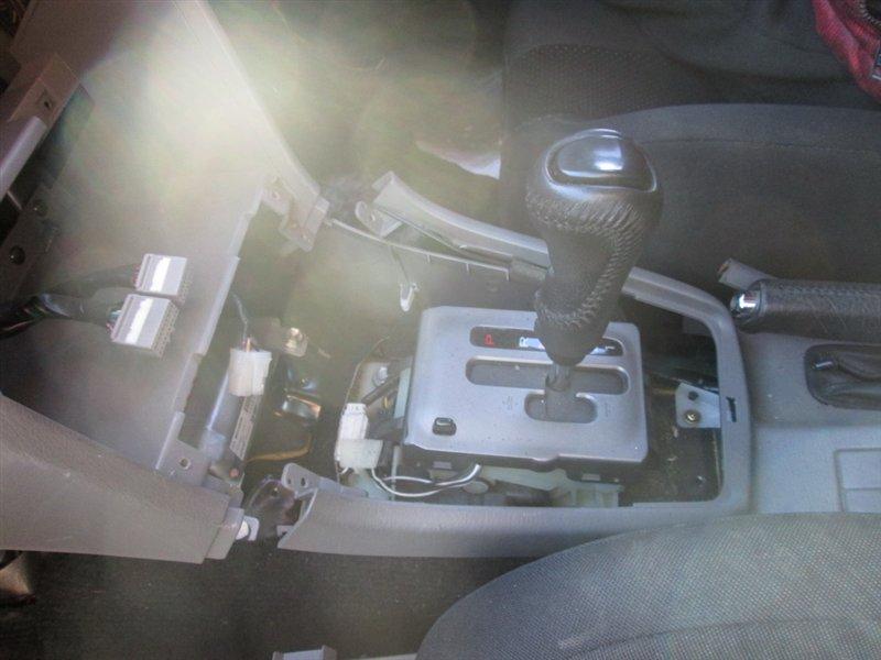 Ручка ручника Subaru Forester SG5 EJ205 2006 черный 1082