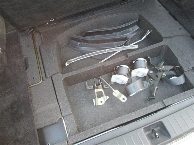 Накладка замка багажника Subaru Legacy BP5 EJ203 2004 серебро 1107