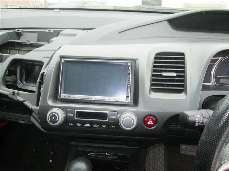 Рамка магнитофона Honda Civic FD1 R18A 2006 серебро 1113