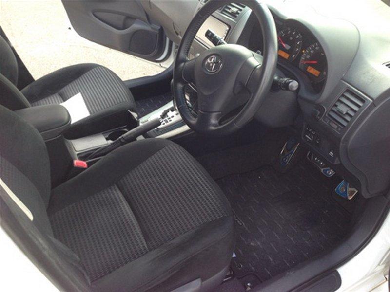 Ручка ручника Toyota Corolla Fielder ZRE142 2ZR 1030