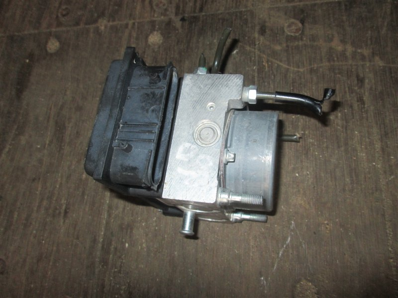 Блок abs Nissan Note E11 HR15 2008 47660-8y20a 1060