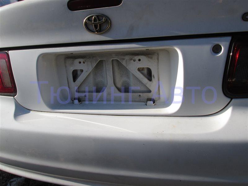 Вставка между стопов Toyota Celica ST202 3S-GEBEAMS 1998 белый 040 1190