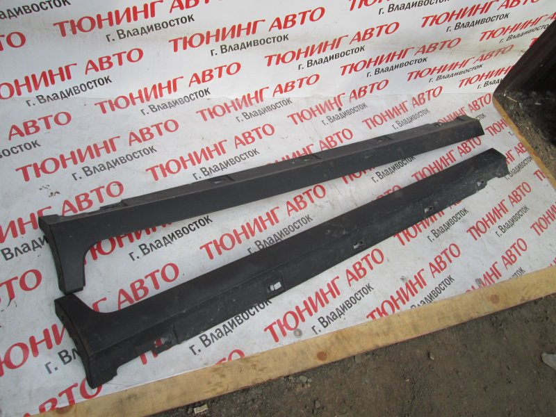 Порог Mazda Verisa DC5W ZY-VE 2007 правый оранжевый 27y 1185