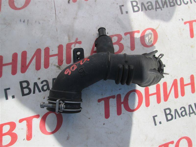 Патрубок воздушн.фильтра Toyota Aqua NHP10 1NZ-FXE 2012 1206
