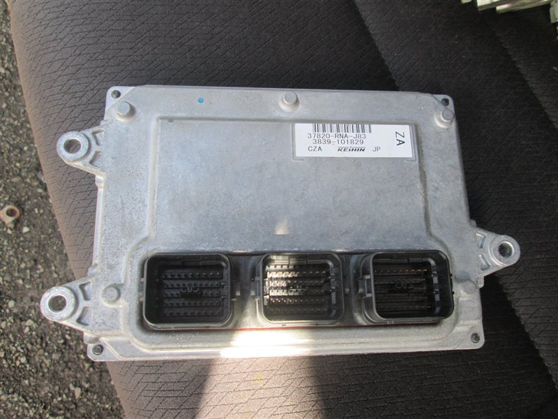 Блок управления efi Honda Civic FD1 R18A 2005 1215 37820-rna-j83