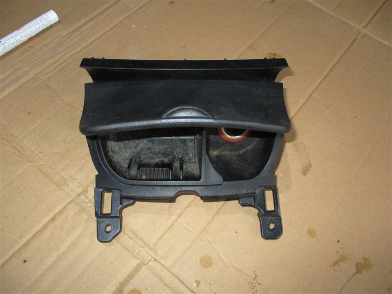 Пепельница Mazda Rx8 SE3P