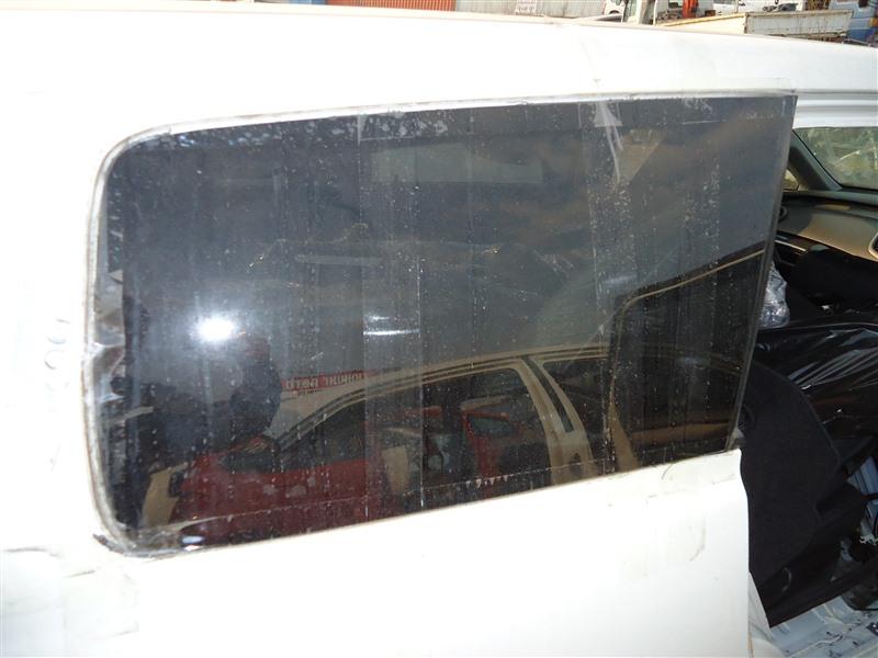 Стекло собачника Honda Odyssey RB1 K24A 2007 правое белый nh624p 1263