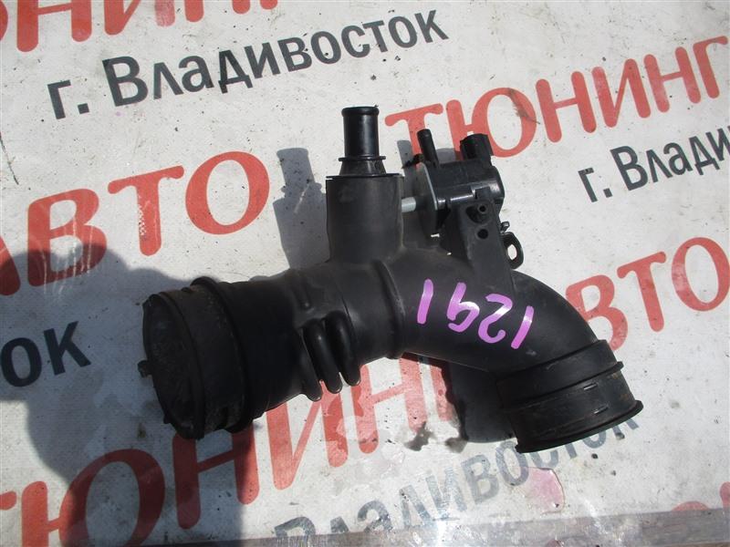 Патрубок воздушн.фильтра Toyota Aqua NHP10 1NZ-FXE 2012 1291