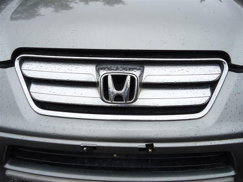 Решетка радиатора Honda Crv RD7 K24A 2005 серый nh691m 1299