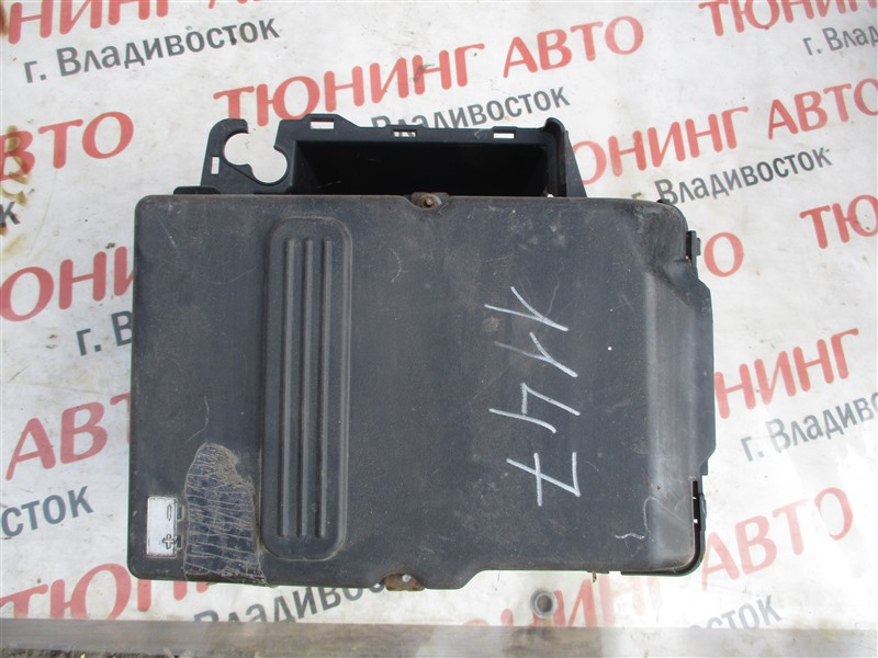 Кожух аккумулятора Mazda Axela BKEP LF-VE 2008 1147
